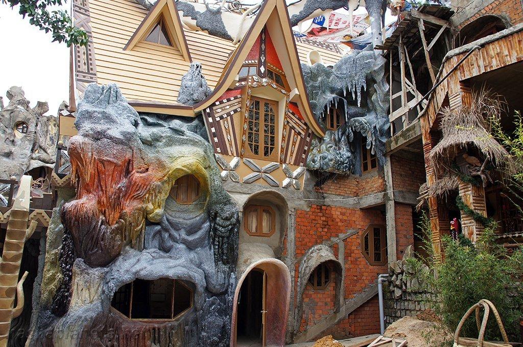 «Crazy House» - самый необычный гостевой дом на свете