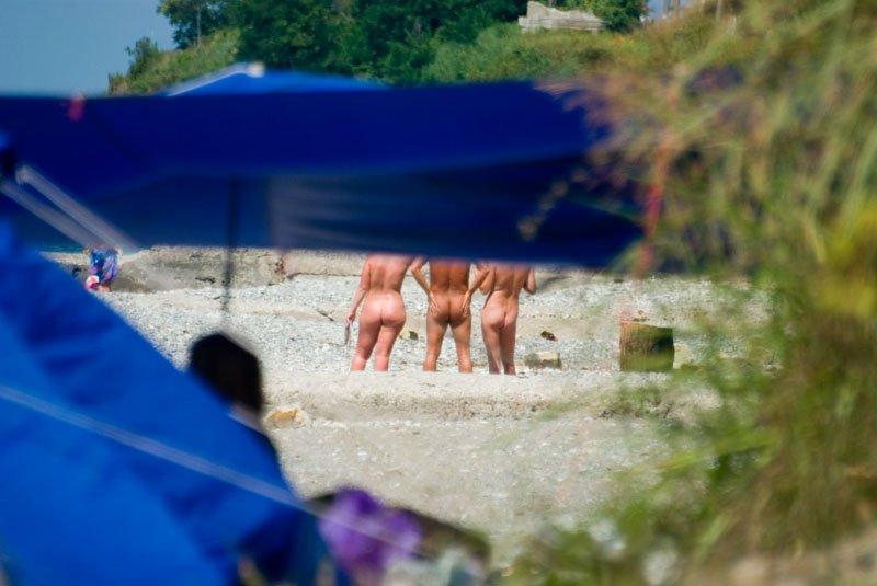 Голые и свободные: где отдохнуть нудистам?