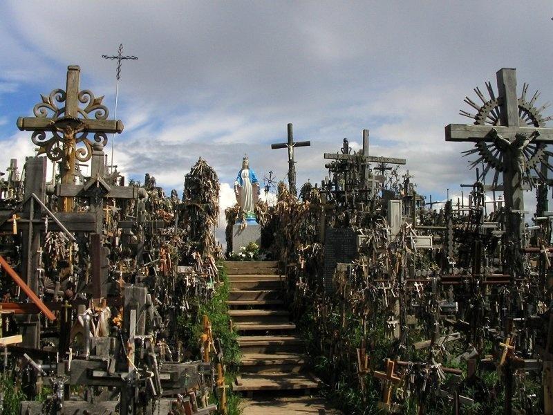 Гора Крестов в Литве — загадочная достопримечательность