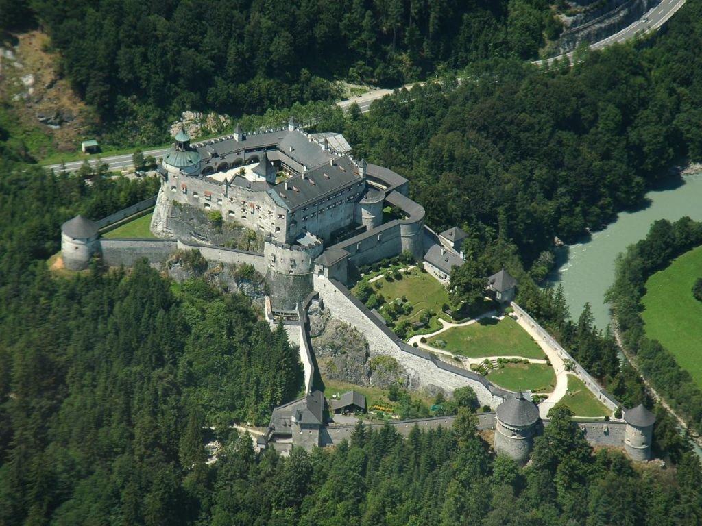 Крепость Хоэнверфен