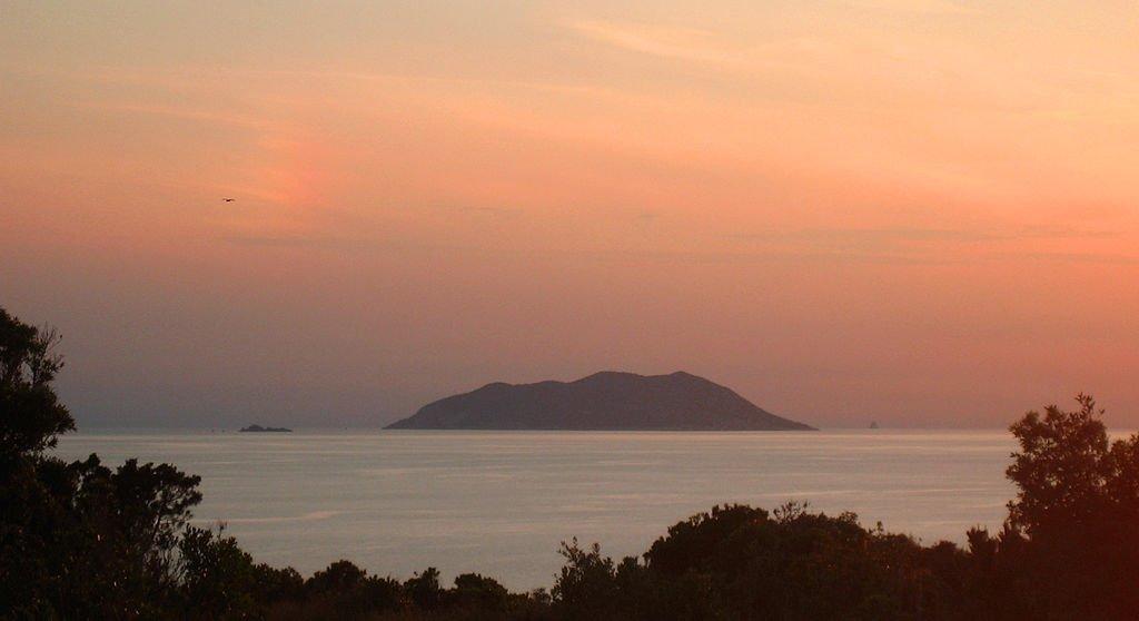 Аномальный остров-яблоко в Хорватии