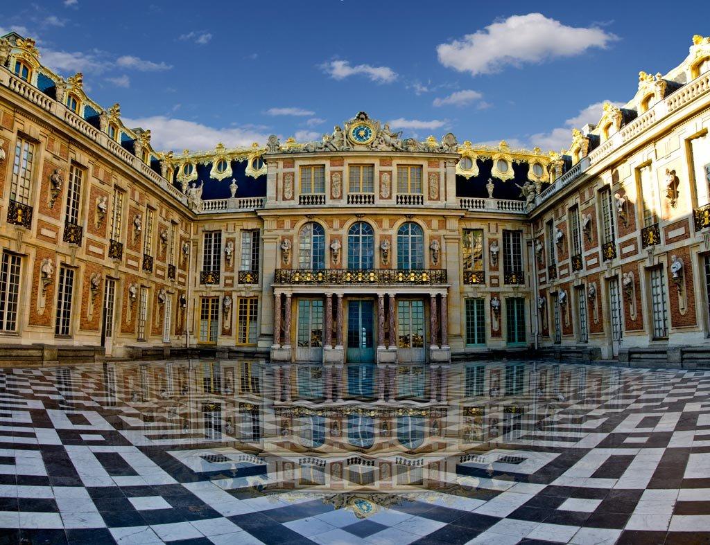7 самых роскошных королевских резиденций