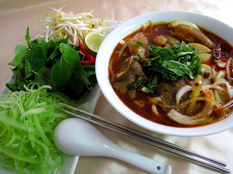 10 вкусных вьетнамских блюд
