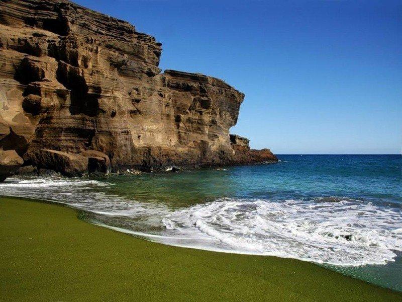 Разноцветные пляжи мира