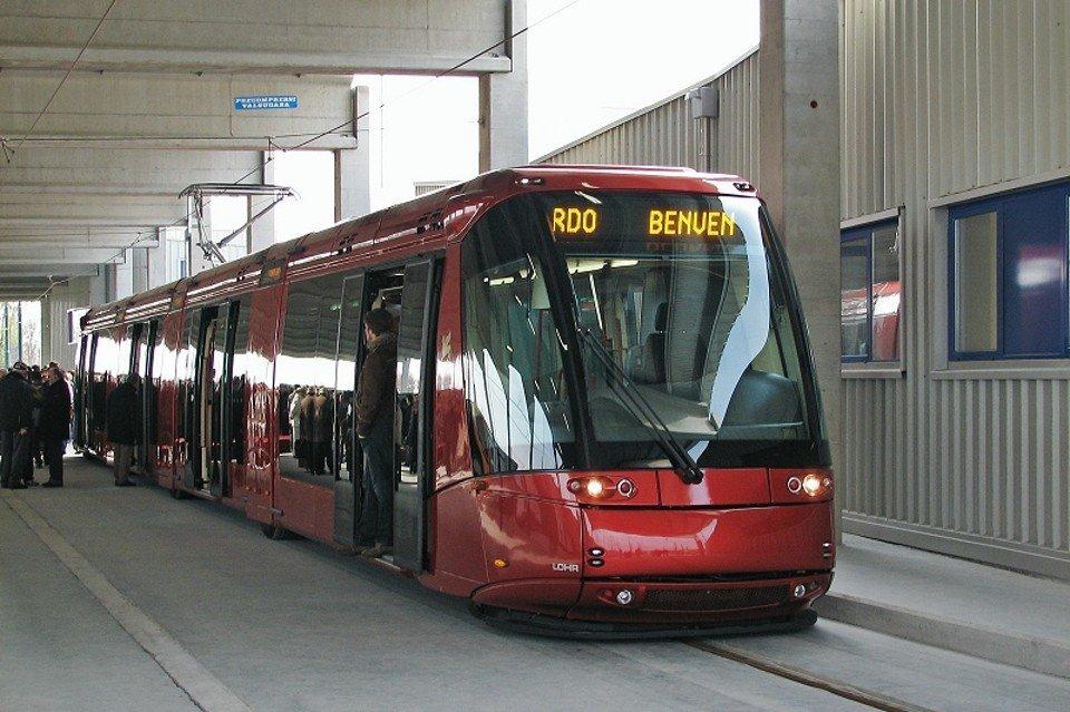В Венеции запустили шинный трамвай