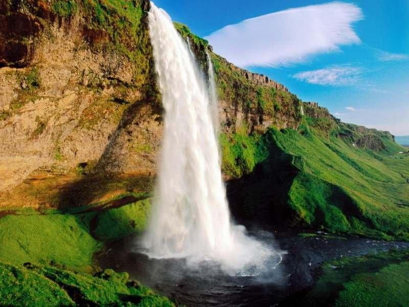 Исландский водопад Сельяландсфосс