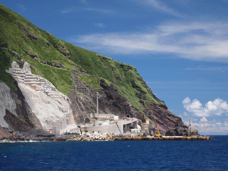 Остров Аогашима – жизнь в жерле вулкана