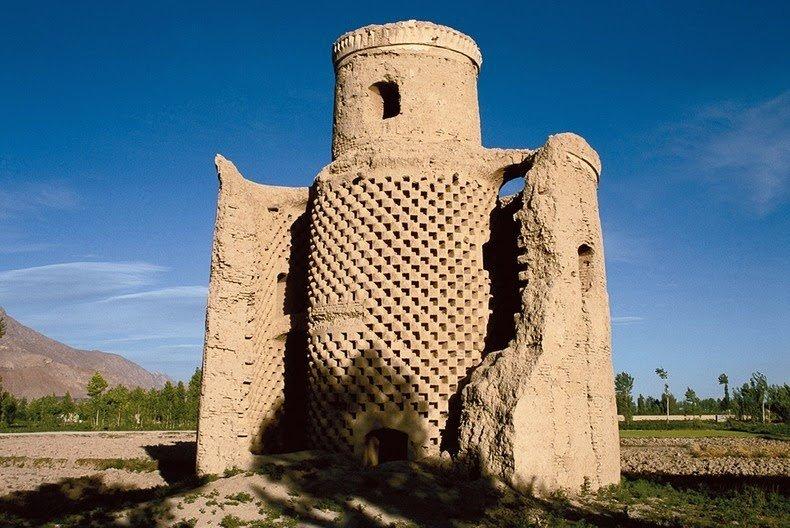 Башни для голубей в Иране