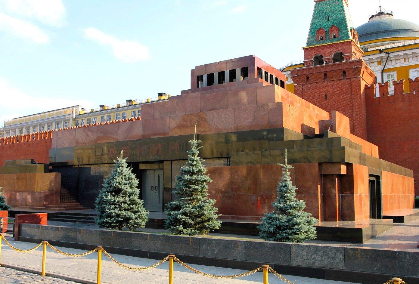 На время планируется закрыть Мавзолей Ленина