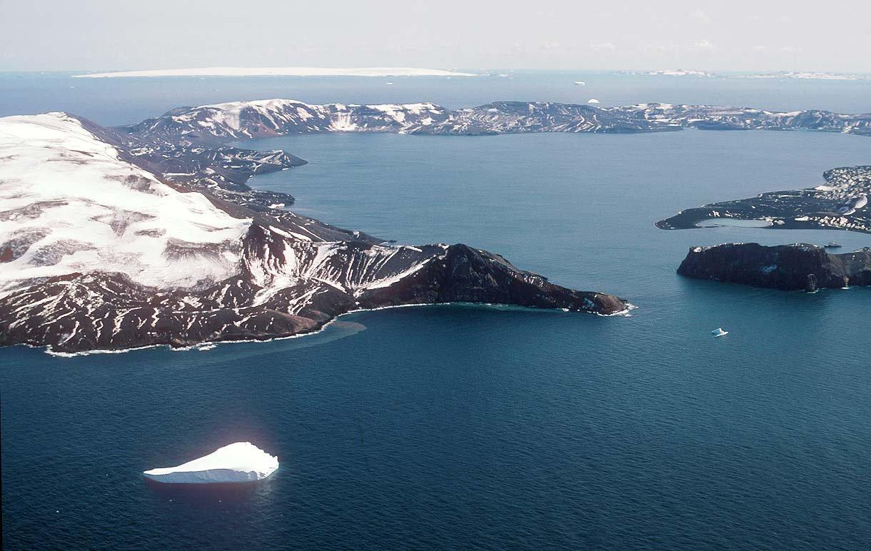 Уникальный уголок Антарктиды - остров Десепшен