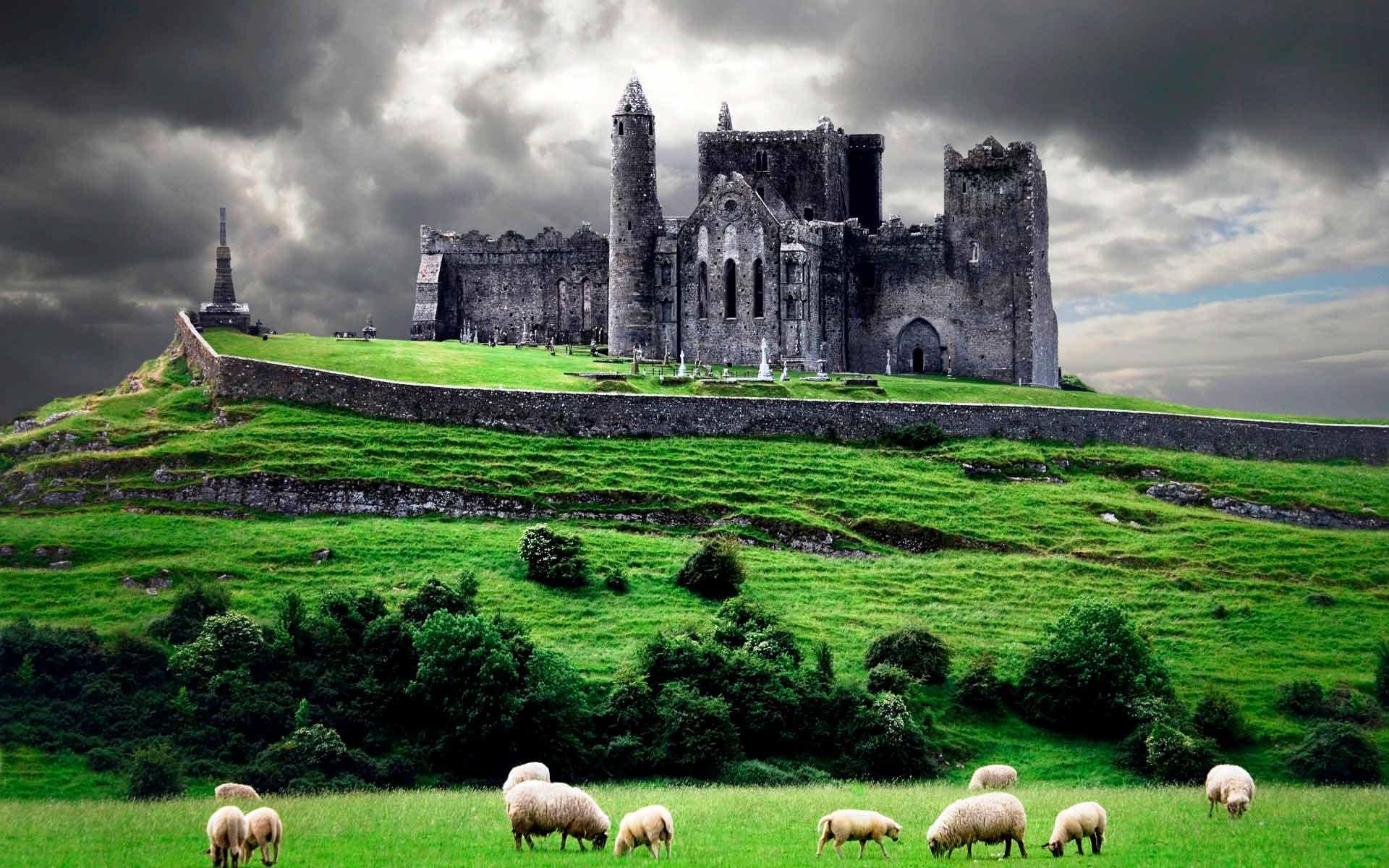 Скала Кашел в Ирландии