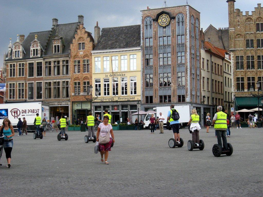 В столице Чехии запретят катание на сегвеях